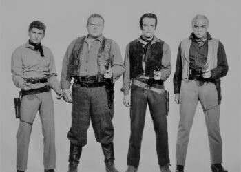 Members of the cast of the TV western series 'Bonanza', circa 1965. Left to right: Lorne Greene (1915 - 1987) as Ben Cartwright, Pernell Roberts (1928 - 2010) as Adam Cartwright, Dan Blocker (1928 - 1972) as Eric 'Hoss' Cartwright, and Michael Landon (1936 - 1991) as Joseph 'Little Joe' Cartwright. (Photo by Silver Screen Collection/Getty Images)